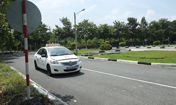 thi bằng lái xe b2 hình 3